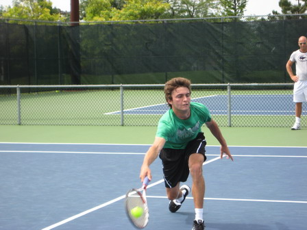 Gilles Simon volleying in Montreal