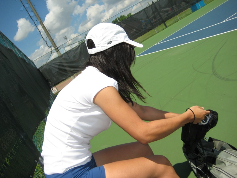 Isabelle Chrun preparation to play tennis